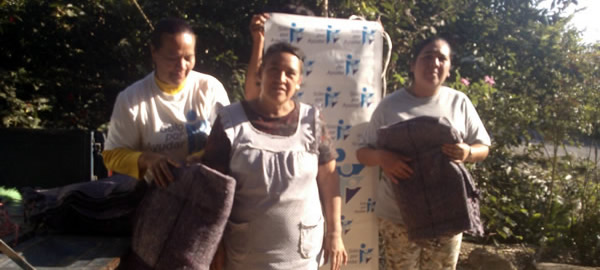 Delivery of blankets in Brooms, Jungapeo Michoacan