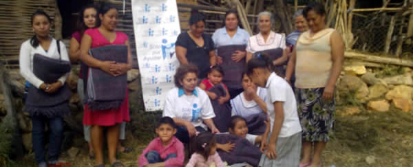 Delivery of blankets in Michoacan Jungapeo Coporo