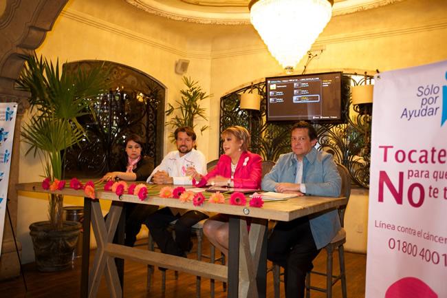 Inicio de campaña de Lucha contra el Cáncer de Mama, en alianza con el Restaurante Mar del Zur. Octubre 2014.