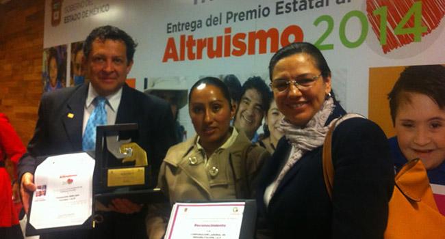 Solo por Ayudar recibe el Premio Estatal de Altruismo 2014