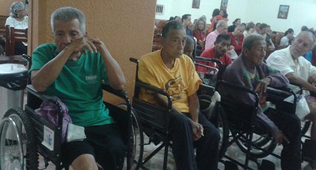 Entrega de sillas de ruedas en diferentes Municipios del Estado de Tabasco