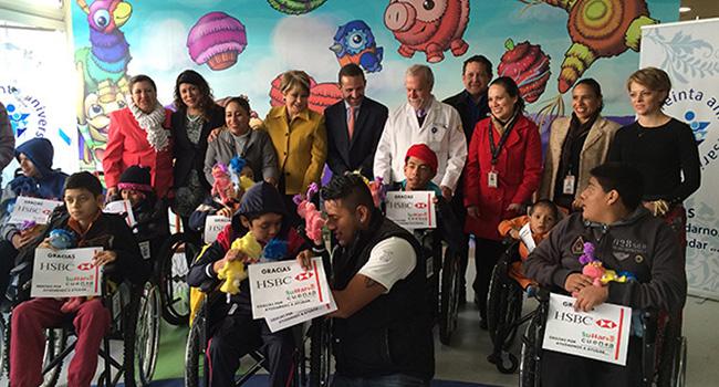 Entrega de sillas de ruedas en el Hospital Federico Gómez. Gracias al apoyo de HSBC