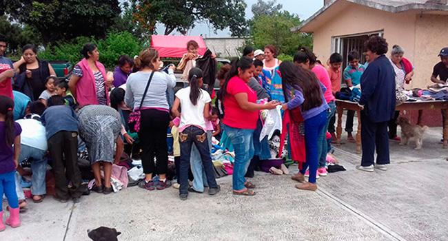 Gracias a sus donaciones pudimos hacer entrega de ropa a vecinos jornaleros del Barrio de Piñuelas de Nepantla, Estado de México.