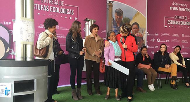 El viernes pasado hicimos entrega de estufas ecológicas en el municipio de Temoaya, Estado de México beneficiando a 100 familias.