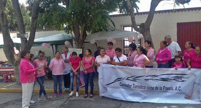 Mes rosa en Nepantla Estado de México. Plática en la escuela Juan de Asbaje. Gracias Gloria Bajonero por difundir la  detección oportuna de Cáncer de Mama!