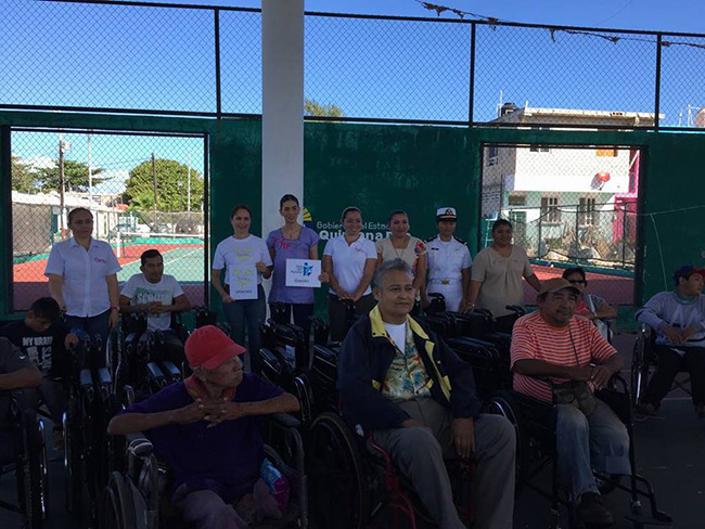 Gracias al DIF de Islas Mujeres y Kaobab por ayudarnos a entregar 30 sillas de ruedas.