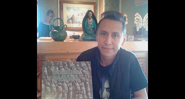 En sólo por Ayudar estamos comprometidos con el medio ambiente. Fomentamos entre las personas beneficiadas, la conservación de los bosques de México. ¡Gracias Antonio Pastrana por la donación de los libros!