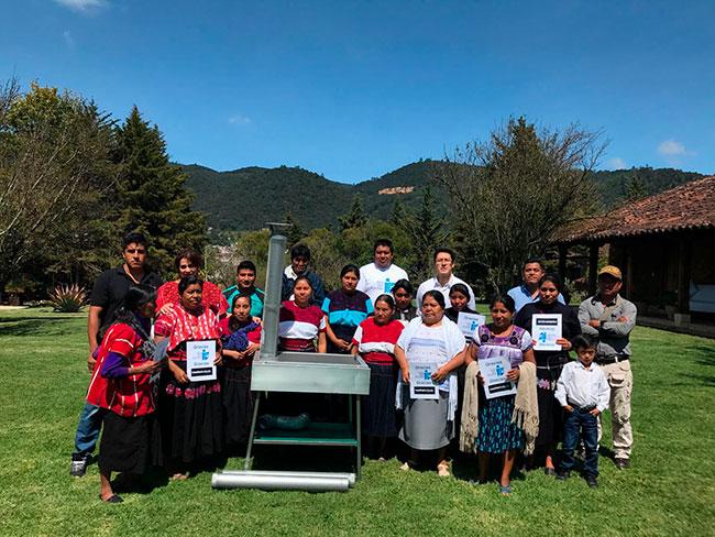 Gracias Ecoestufa y Roche Bobois México por entregar estufas ecológicas en Pantelho, Tenejapa, Aguacatenango, Amatenango, Venustiano Carranza y Yochib Chiapas.