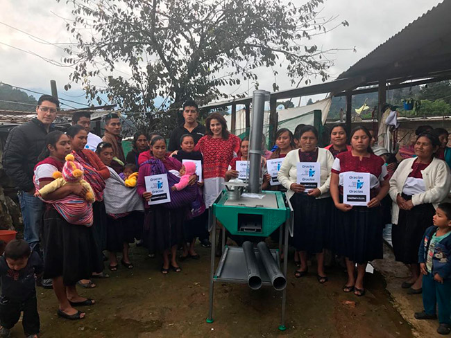 Gracias Roche Bobois y Ecoestufa por apoyar a la comunidad de Tec-tic en San Andrés Larraizal Chiapas.