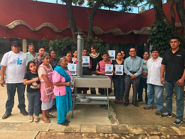20 familias de San Bartolo Oaxaca beneficiadas con estufas ecológicas. ¡Gracias a quienes confían en nosotros para ayudar a quienes más lo necesitan!
