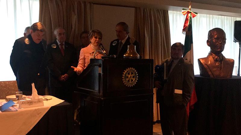 ¡Felicidades Lolita por el galardón Pa yo le Harrys del Club Rotario!