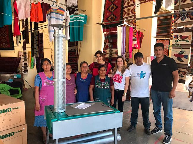 ¡Gracias Roche Bobois por tu solidaridad, se han entregado ecoestufas a diferentes familias de Mitla, Santa Ana del Valle, Teotitlan del Valle y en un comedor comunitario en Juchitán Oaxaca!