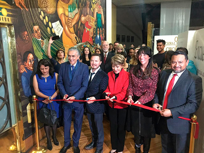 ¡Gracias Oscar Santoscoy por tu apoyo con la expo «De la poesía y el lienzo»