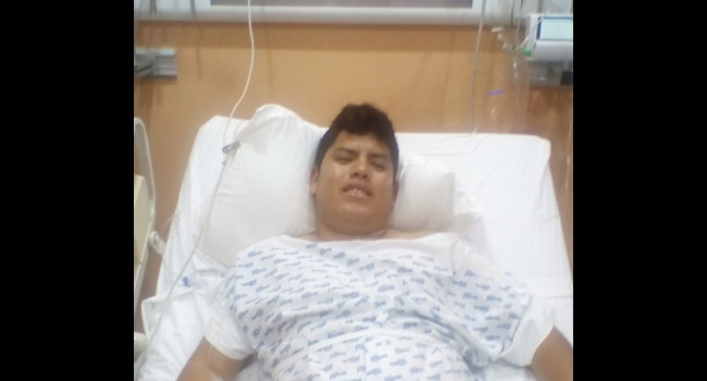 Lorenzo de 31 años está muy contento porque tiene una nueva oportunidad de vida gracias al riñón donado por su hermano.