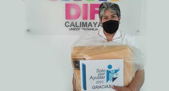 Entrega de cobijas DIF Calimaya